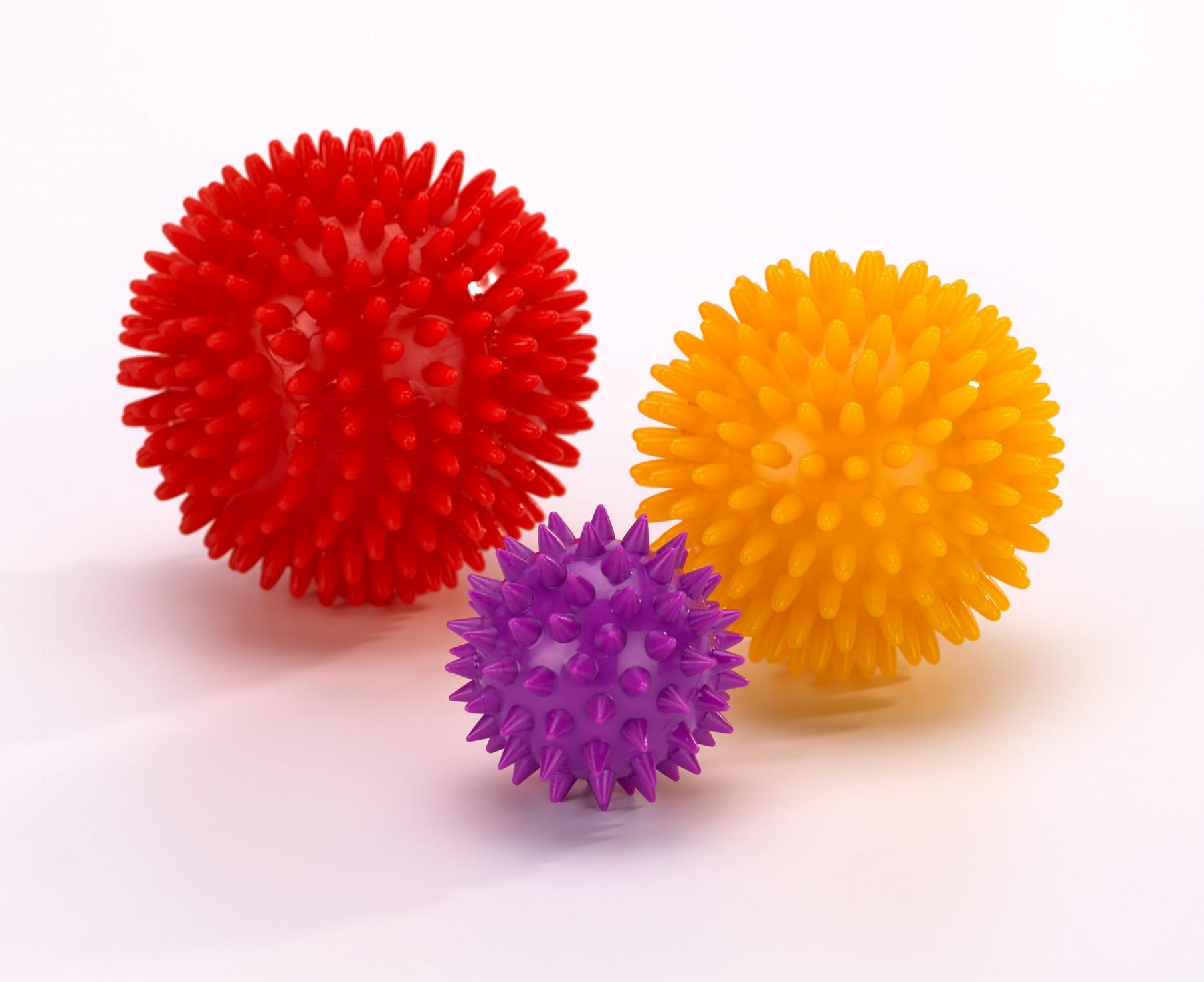 Piłeczka do masażu kolcami rehabilitacja żółta 8 cm - AGIA. '